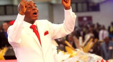 Bishop-David-Oyedepo-spitting-prophetic-fires